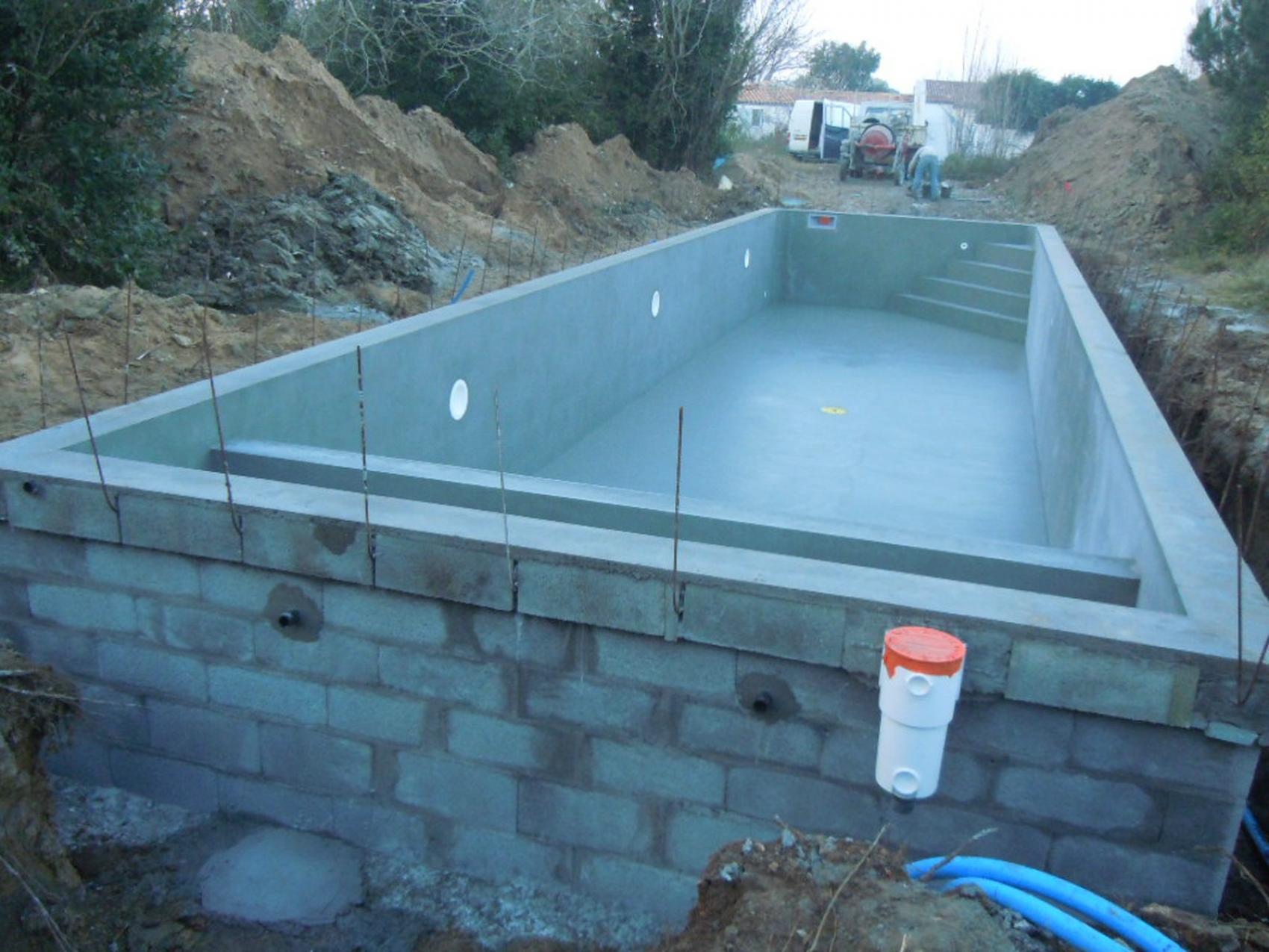 construire un local technique pour piscine dimensions local ...